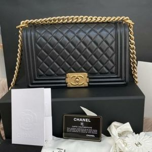 100% Auth CHANEL Boy Le Medium Black Lambskin Bag